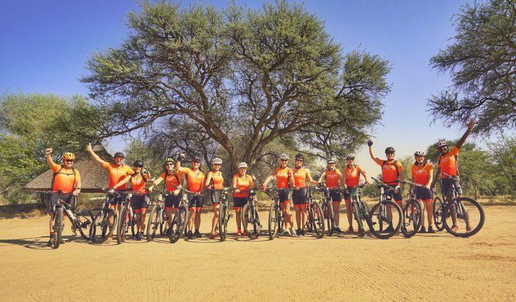 All Human goes orange: tour Namibië Orange Babies